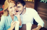 How to Compliment a Woman and Win Her Attention (Without Being Creepy)