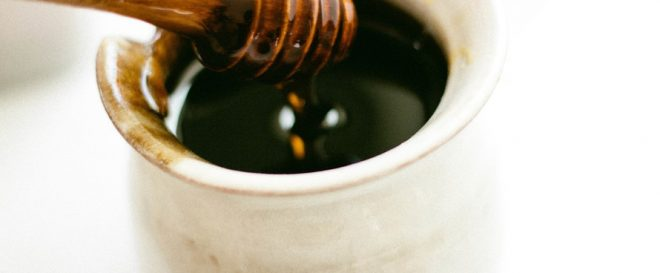 Get Rid of Premature Signs of Aging with Honey