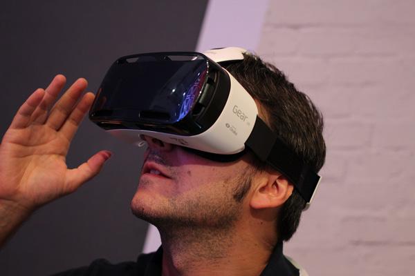 4.-Samusng-Gear-VR