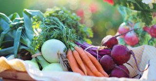 when is worth to buy organic food and when it is a complete waste of money