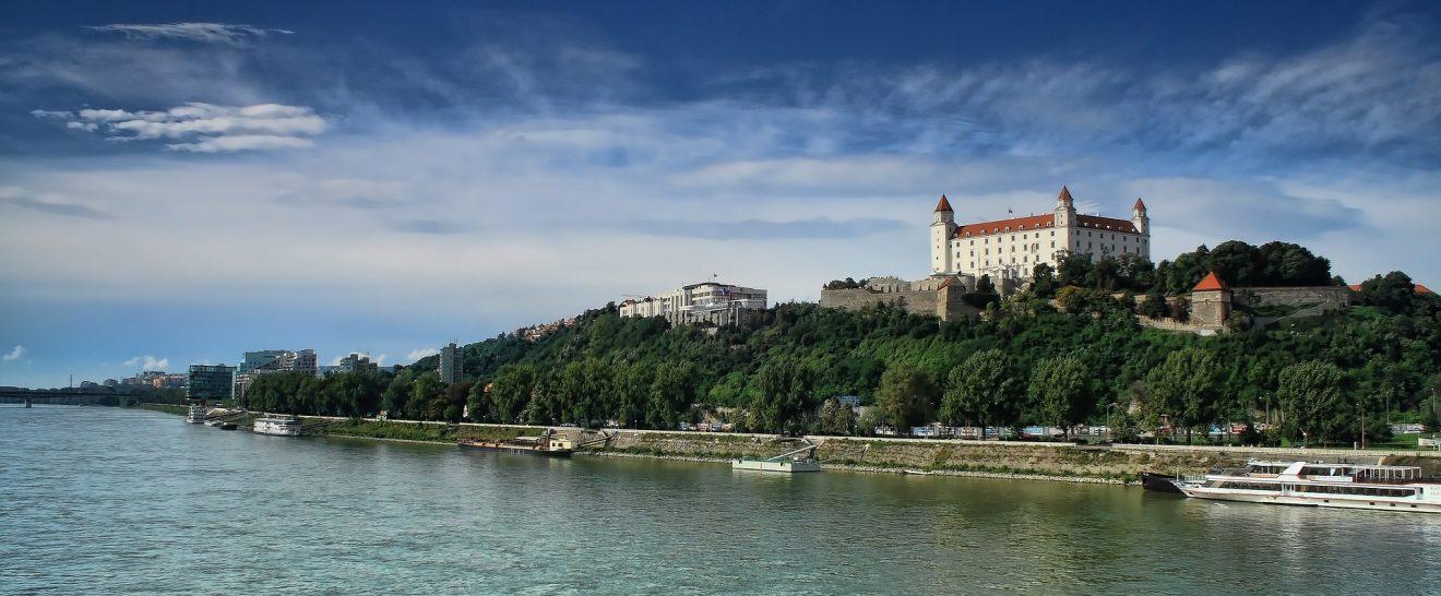 bratislava-2544042_1920