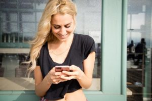 How-To-Text-A-Girl---From-Number-To-Date,-The-Definitive-Guide!